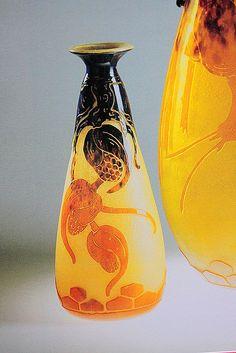 Le Verre Francais Houblon Cameo Vase by Schneider