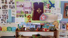 INFANTIL. Rincón Medieval en clase de 3 años. Con aportaciones de lo que investigan en casa y explican a los compañeros.