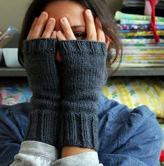 1100+ Ravelers can't be wrong! These are spiderwomanknits' Peekaboo Mitts. Simple. Perfect. One skein.