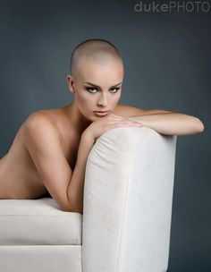 Attractive women look their best with their eyebrows shaved off, and head shaved smoothly bald. Ladies Shave Your Head! Bald Head Women, Shaved Head Women, Pixie Cut, Short Hair Cuts, Short Hair Styles, Buzz Cut Women, Buzz Cuts, Nathalie Portman, Shave My Head