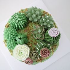 Her buttercream flower cakes are ABSOLUTELY gorgeous!