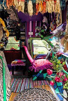 Inspiration of Van Life Hippie Bohemian Style Ideas - Camper Life Hippie Auto, Kombi Hippie, Hippie Camper, Gypsy Life, Hippie Life, Hippie Bohemian, Bohemian Style, Hippie Things, Boho Gypsy