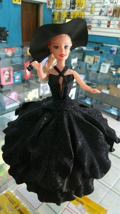 1 million+ Stunning Free Images to Use Anywhere Barbie Fashionista, Free To Use Images, Cookware Set, Maleficent, High Quality Images, Barbie Dolls, Cinderella, Diy Crafts, Disney Princess