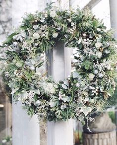 Throwback Thursday...remembering my visit last December to florist @zita_elze's beautiful shop in Kew. And just how beautiful is this wreath? | #underthefloralspell #wreath #tbt