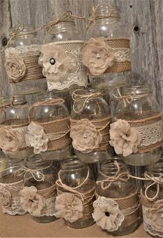 Wedding Centerpieces Mason Jars, Barn Wedding Decorations, Rustic Wedding Centerpieces, Burlap Table Decorations, Rustic Table Centerpieces, Rustic Bridal Shower Decorations, Homemade Wedding Decorations, Vintage Decorations, Wedding Ideas With Mason Jars