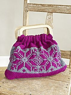 Free Knitting Pattern 70522AD Graphic Elements Tote : Lion Brand Yarn Company