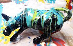 Decoración de Ambientes, trabajos y venta de objetos. Cow Parade, Ceramic Art, Dinosaur Stuffed Animal, Pottery, Sculpture, Ceramics, Toys, Ideas Para, Animals