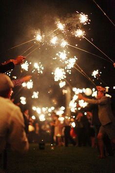 Ilumina tu boda con bengalas