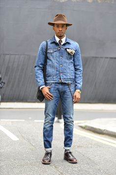 Street style london men Men's Look ASOS Fashion Finder.and thats how you do double denim guys! Stylish Mens Fashion, Mens Fashion Suits, Jackets Fashion, Style Casual, Swag Style, Style Men, Asos Fashion, Denim Fashion, Denim Jacket Men