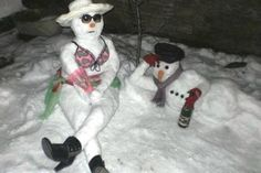 funpot: Gemütlich chillen im Schnee.jpg von babs - Simone ♥ - This Funny Snowman, Snow Sculptures, Snow Art, Build A Snowman, Winter Kids, Christmas Snowman, Winter Wonderland, Funny Pictures, Funny Memes