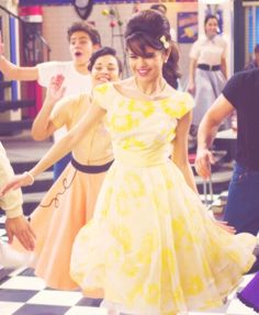 Selena Gomez dancing on Wizard Of Waverly Place- I loved that episode!!!