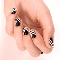 Monochrome nails that are chic and easy to do
