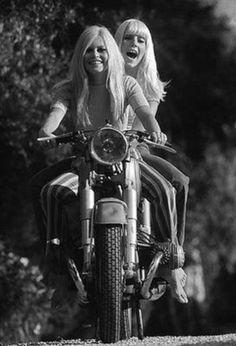 Brigitte Bardot and Sylvie Vartan. Of course Bardot rode. Brigitte Bardot, Bridget Bardot, Lady Biker, Biker Girl, Biker Baby, Vintage Bikes, Vintage Motorcycles, Custom Motorcycles, Triumph Motorcycles