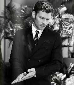 My new crush Joseph Morgan