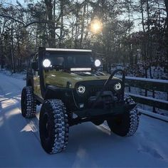 just some jeep stuff. remember keep the Jeep wave alive ! Two Door Jeep Wrangler, Jeep Wrangler Lifted, Jeep Tj, Jeep Rubicon, Jeep Truck, Lifted Jeeps, Jeep Willis, Red Jeep, Black Jeep
