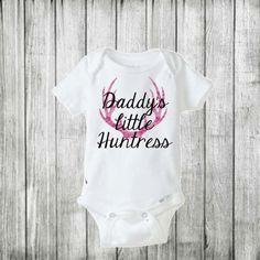 Daddy's Little Huntress/ Baby girl onesie/ Baby girl outfit/ Camo baby girl onesie/ camouflage onesie/ deer hunting/ hunting onesie/ baby by BeutiqueCreations on Etsy