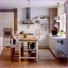 40 Awesome Kitchen Island Design Ideas with Modern Decor & Layout Stunning small kitchen island ideas with seating Ikea Small Kitchen, Small Kitchen Solutions, Small Kitchen Tables, Kitchen Ideas, Long Kitchen, Kitchen Island With Seating, Island Kitchen, Soapstone Kitchen, Cooking