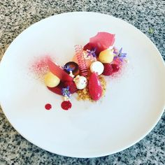 Då tackar vi Nora choklad skola och alla kursdeltagare för två fantastiska dagar. Nu går resan vidare mot Stockholm och #gastronord2016. Vi ses i montern hos #bakers och #michelcluizelsverige. #roadtrip #pastrychef #mathantverk #gastroart #dessert #dessertmästarna #efterrätt #godmat #cheflife #theartofplating #cheftalk #sötsaker #vårkänslor #dessertkurs by pastryinspiration