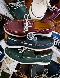 Different Types Of Sneakers Every Man Needs.  Wise men say that spending on things that keep you from the ground such as your bed, mattress, tires, and shoes, is worth the investment. Men should Men S Shoes, Running Shoes For Men, Mens Running, Running Sneakers, Shoe Sites, Shoes 2014, Everyday Shoes, Adidas, Preppy Style