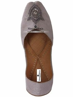 Wedding khussa shoes in white color in Glasgow. Shop online Indian malai khussa & Multani khussa footwear at best price and worldwide delivery