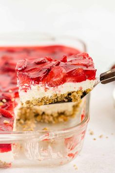 Slice of Strawberry Pretzel Salad on a spatula with a baking dish in the background Strawberry Pretzel Jello, Jello Pretzel Salad, Jello Pie, Strawberry Desserts, Jello Salads, Fruit Salad, Make Ahead Desserts, Delicious Desserts, Yummy Food