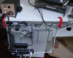 organziar cabos do computador-4♪ ♪ ... #inspiration #diy GB http://www.pinterest.com/gigibrazil/boards/