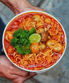 Mie Noodles, Mie Goreng, Japanese Snacks, Yummy Food, Tasty, Indonesian Food, Korean Food, Street Food, Food Videos