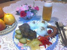 Domáca bravčová pečeň na slaninke - recept | Varecha.sk Eggs, Breakfast, Food, Morning Coffee, Egg, Meals, Egg As Food, Morning Breakfast
