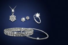 £12 instead of £220 (from Your Ideal Gift) for a five-piece crystal jewellery set made with Swarovski Elements - save 95%