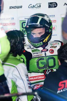 Winning. SHARK Racing-R Pro full-face helmet. Shark Motorcycle Helmets, Full Face Helmets, Online Casino, Racing, Running, Auto Racing