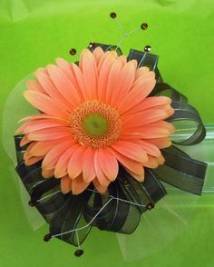 Prom, corsage  Pell City Flower & Gift Shop   36 Comer Avenue Pell City, Al 35125   205-338-2226