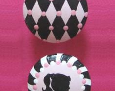 This is for ONE drawer knob but you can choose as many as you would like from the drop down menu. These are the perfect final touch to your decor.  Choose: Lipstick Crown Necklace Nail Polish  If you need different colors, its no problem, just contact me and we can go over colors.  These are 1-1/2 wide across the top hand painted on top quality wood drawer knobs with non toxic acrylic paint, then covered with clear glossy non toxic varnish so they just wipe clean and last for years to co...
