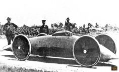 Streamlined electric race car breaks 100 mph - 1902, Walter Baker