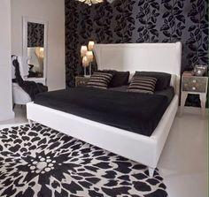 Chromatic black and white design, www.wama.mobi #tagsforlikes #follow #bedroom #homesweethome #blackandwhite #elegance #designer #design #italy #made
