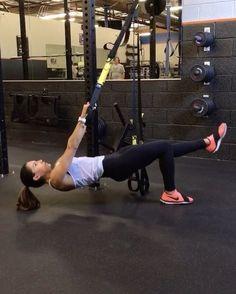"Alexia Clark on Instagram: ""TRX 1. 10 each leg 2. 15 each side 3. 10 each side 4. 15 each side 3-5 rounds #alexiaclark #queenofworkouts #trxworkout…"""