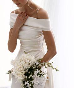 Romantic Wedding Dress Tulle Off-the-shoulder Bride Dress,Neckline A-line Wedding Dress With Beaded Wedding Dress Trends, Dream Wedding Dresses, Wedding Gowns, Bridal Skirts, Bridal Gowns, Traditional Gowns, Bridal Cape, Gowns With Sleeves, Bridal Fashion Week