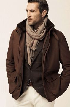 Various Shades of Brown With Cream Trousers .A Wonderful Combination Outfits Casual, Mode Outfits, Men Casual, Lakme Fashion Week, Fashion Moda, Mens Fashion, How To Wear Scarves, Weekend Style, Fashion Seasons