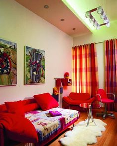 rojo intenso colorido sala cortinas