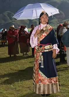 Tibetan woman, Tibet by United Planet, via Flickr