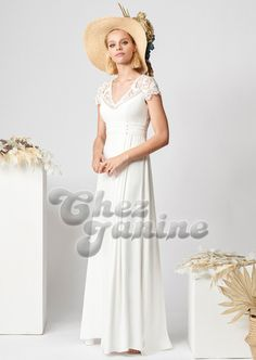 Rembo Styling 2020 Collection - Crepe dress with a higher waist and pleats. Finished with short embroidered sleeves and an open back. Rembo Styling, Wedding Dresses 2018, Bridal Dresses, Formal Dresses, Lookbook Design, Boho Chic Wedding Dress, Boho Vintage, Crepe Dress, Womens Fashion