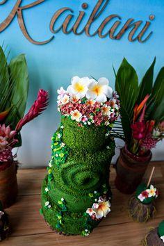 Island cake from a Moana Inspired Birthday Party on Kara's Party Ideas | KarasPartyIdeas.com (12)