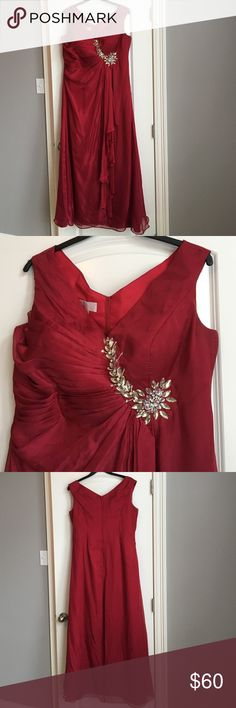"""Burgundy formal dress Burgundy formal dress with jewels at waist. Worn once so excellent condition. Dress is fully lined. Shell and lining both 100% polyester. Top to bottom of dress is 60"""". Back zip closure. Pads in chest area which can easily be removed if desired. Size tag isn't in dress but ordered size 16w. Any questions please ask! Perfect for ball, prom, or mother of the bride! ‼️‼️ price drop for few hours ‼️‼️ Light in the box Dresses Wedding"""