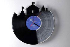 credit: Home-Dzine [http://www.home-dzine.co.za/crafts/craft-dremel-clock.htm]