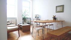 Gemütliches, Großes Wohn  Und Esszimmer Mit Holzboden Und Braunen  Holzmöbeln #Esszimmer #Wohnzimmer