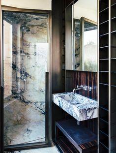Casa in Via Baccina, Rome by Massimo Adario Architetto Bathroom Interior Design, Home Interior, Decor Interior Design, Interior Decorating, Décor Boho, Home Decor Bedroom, Bathroom Inspiration, Cheap Home Decor, Modern Decor