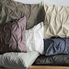 ohhhh pintuck pillows!
