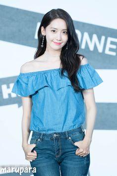 Types Of Trousers, Type Of Pants, Yuri, Girl's Generation, Yoona Snsd, Sooyoung, Im Yoon Ah, Beautiful Goddess, Colored Denim