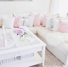 Darling Decor | 10 Ways To Make Your Living Room Extra Glam | J'adore Lexie Couture