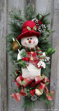 wreath.quenalbertini: Christmas Snowman Swag Wreath by New England Wreath Company | Etsy