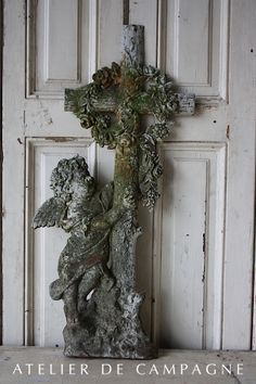 #22/194 Cast Iron Cross with Angel